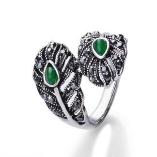 green-stone-leaf-ring