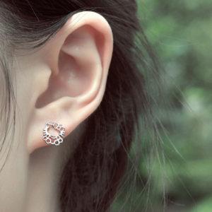 hello-kitty-pendant-necklace-earrings-set