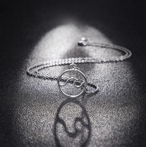 silver-ocean-wave-pendant-necklace