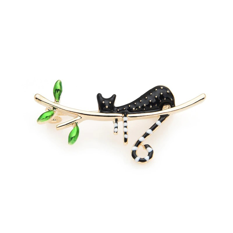 A Black Cat on a Tree Pin Clothes Decoration Jewelry